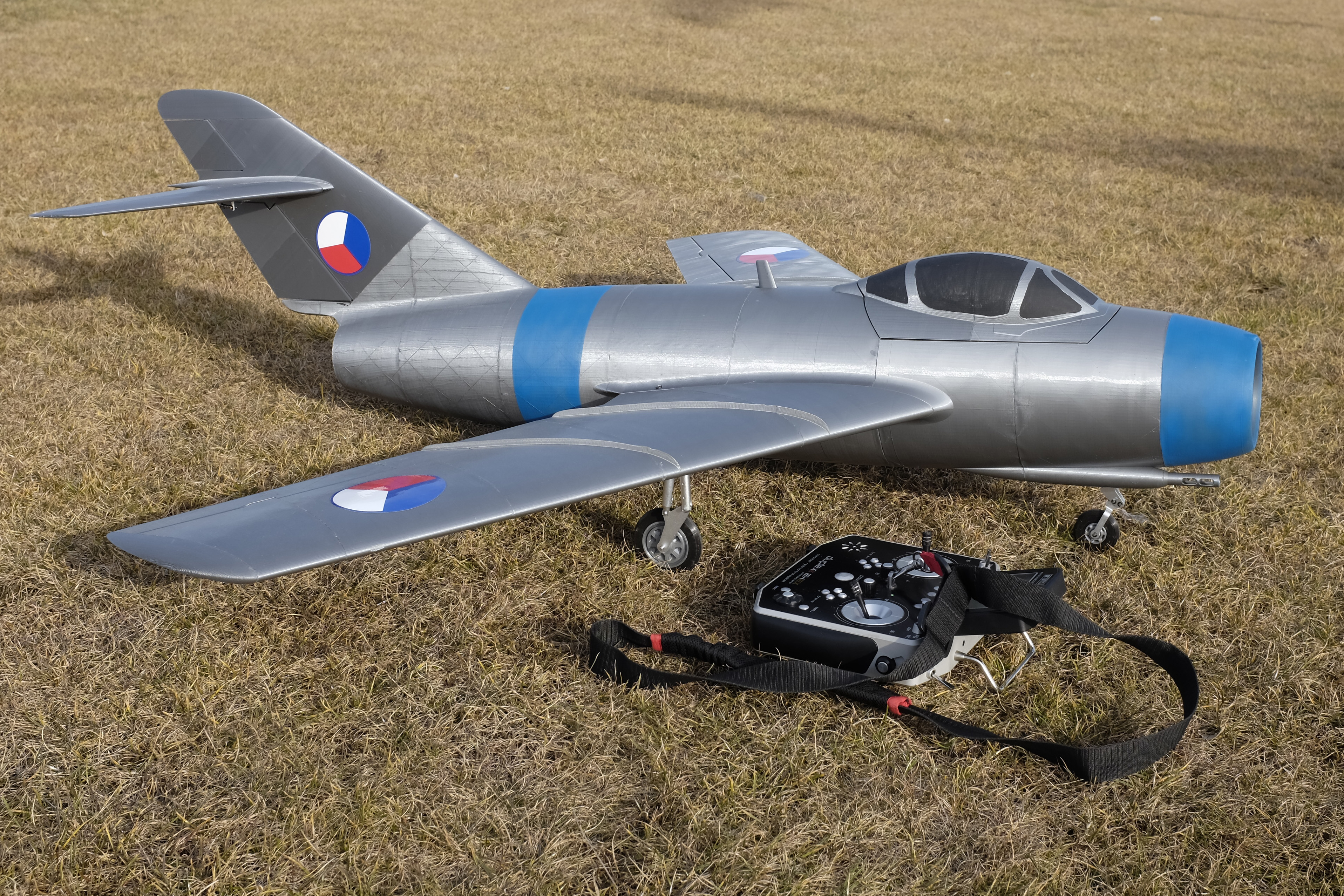 scale rc airplane with Mig 15 Fagot on How To Tell The Difference Between Planes besides HosExtra300XS moreover  together with Zdalotel1 also Watch.